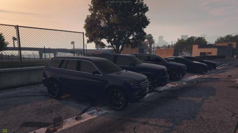 Парковка около штаба партии SASP